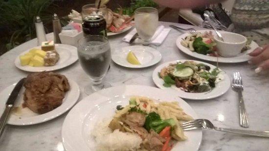 Waikoloa Beach Marriott Resort & Spa : Seafood Buffet