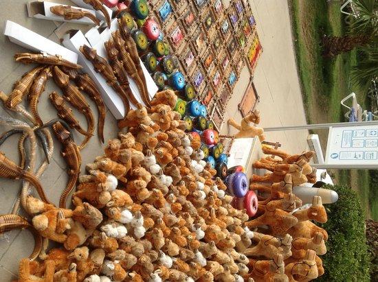Vincci Nozha Beach Resort : market comes to hotel