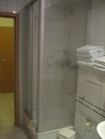 Hotel Classic : מקלחון
