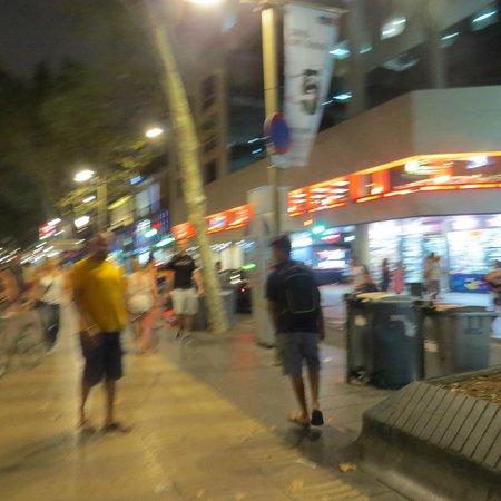 Las Ramblas: Walk in the street
