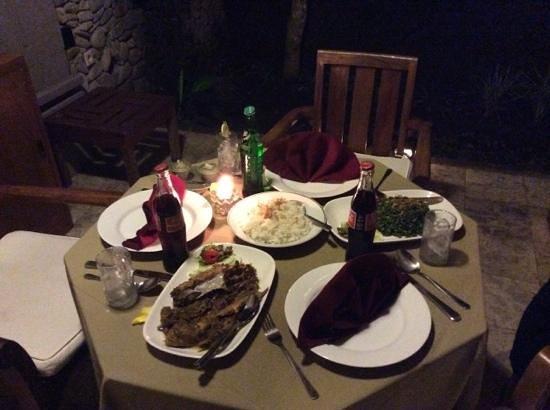 Nefatari Exclusive Villas : repas dans la chambre