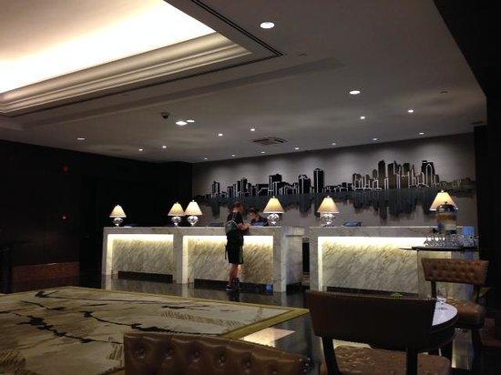 Diamond Hotel Philippines: リニューアルした受付