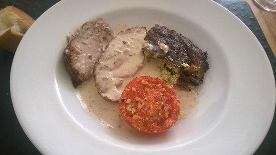 Le Noirlac: Veau au caramel, gratin, tomate