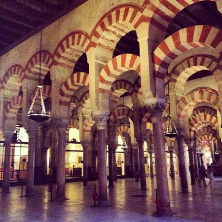 Moschee-Kathedrale (Mezquita de Córdoba): Beautiful view inside Cathedral