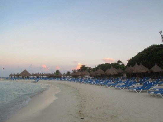 Grand Bahia Principe Coba: Coba beach just before the sunset.