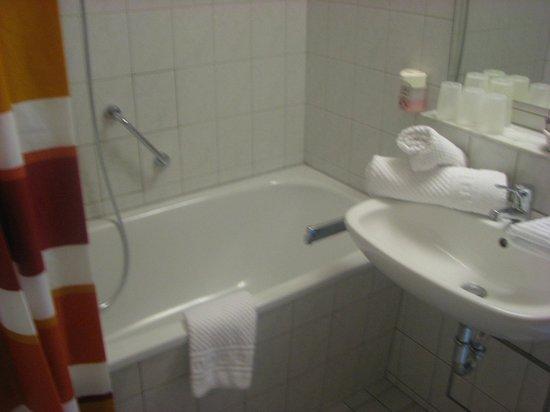 Hotel Gasthof Drei Mohren: חדר רחצה