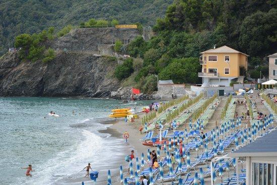 Moneglia beach - Picture of B&B La Casa di Menny, Moneglia - TripAdvisor