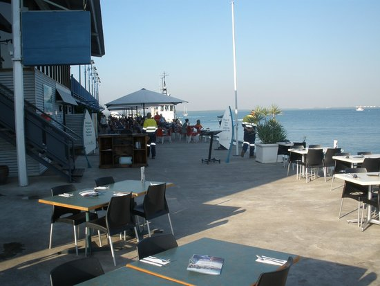 Darwin Wharf Precinct: Restaurant at Wharf's end