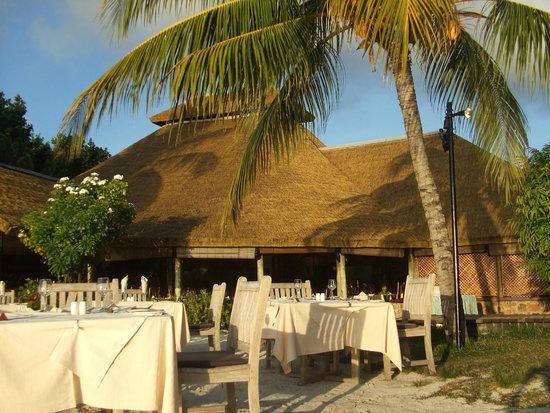 La Digue Island Lodge : ristorante sulla spiaggia