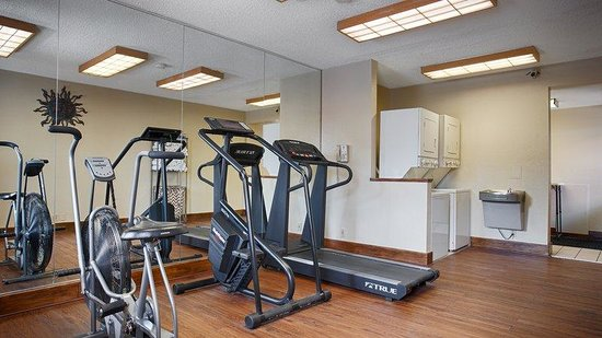 Best Western The Oasis at Joplin: Fitness Center and Laundry