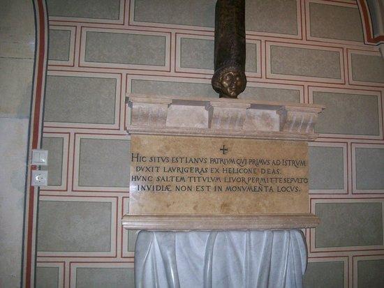 Pecs, Hungria: L'iscrizione