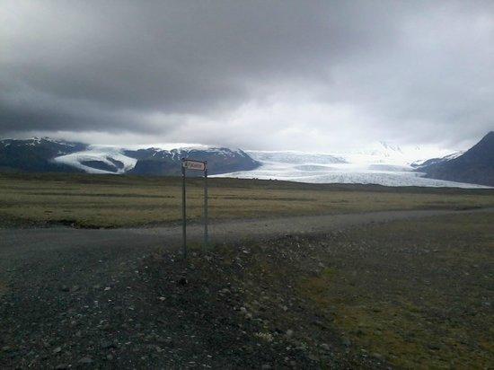 Fosshotel Vatnajokull: Vista dsel ghiacciaio Vatnajokull dall'hotel