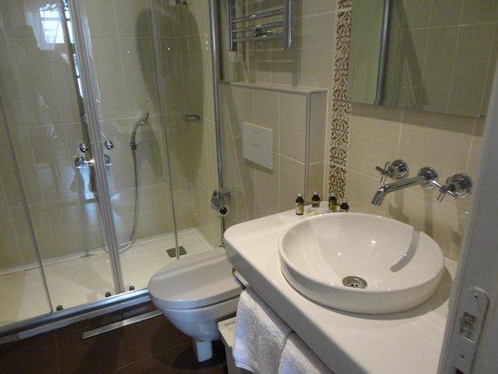 Hich Hotel Konya: Bathroom