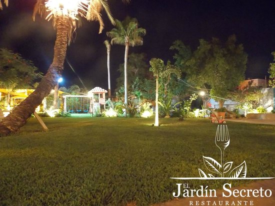 Vamos maximus picture of el jardin secreto la paz for Cafe el jardin secreto