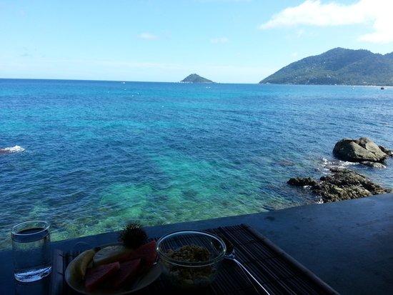 Charm Churee Villa : View at breakfast.