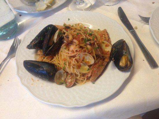 Ristorante Pizzeria Santa Maria: Great spaghetti with seafood