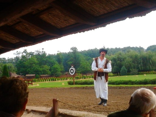 Godollo, المجر: Presentazione