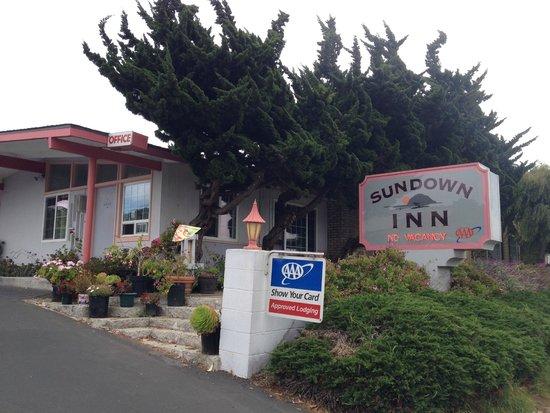 Sundown Inn: insegna