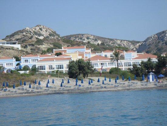 Atlantica Porto Bello Royal : View of hotel from the sea