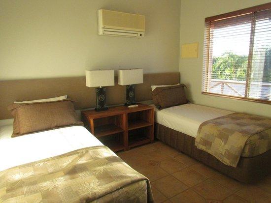 Moonlight Bay Suites: chambre des appartements