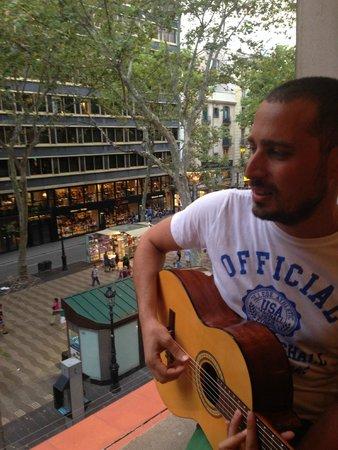 Hotel SERHS Rivoli Rambla : ilk acık hava konserim :P
