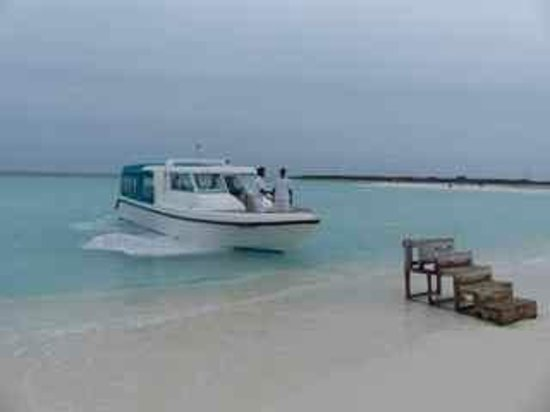 Soneva Fushi Resort: Local taxi to nearby island for a reception with all other hotel guests