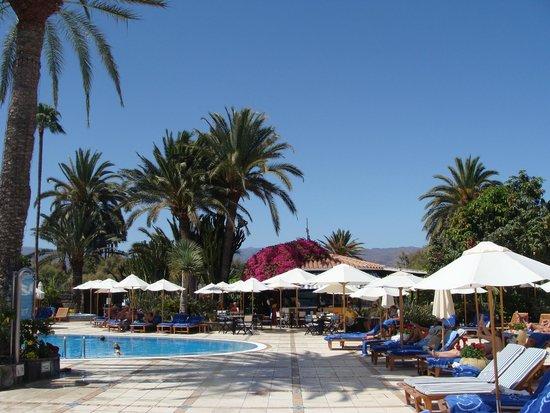 Seaside Grand Hotel Residencia: Jardin et piscine