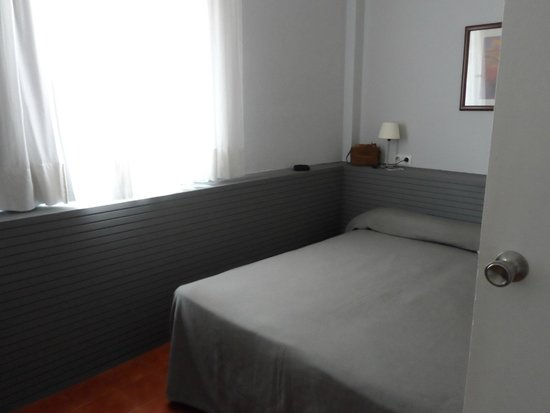 Aparthotel Mariano Cubi: slaapkamer