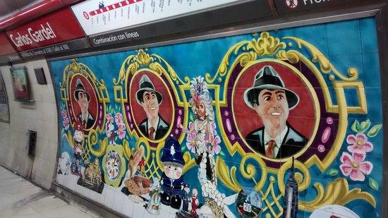 Barrio de Abasto : Estação do metrô facilita o acesso.