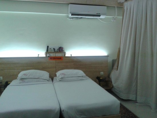 Parklane Hotel: room view
