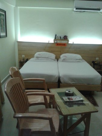 Parklane Hotel: beds