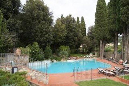 Hotel Villa Stanley: Blik op zwembad Hotel Stanley Sesto Fiorentino