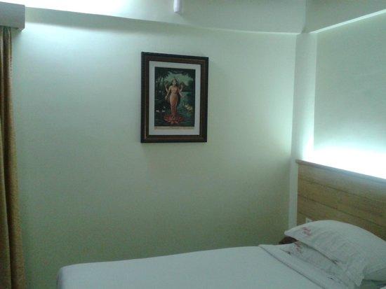 Parklane Hotel: photo in room
