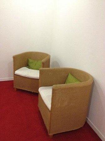 Sorell Hotel Seidenhof: Hallways seats