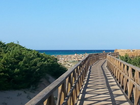 Valentin Playa de Muro: path to the beach