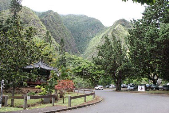 Iao Valley State Monument: Iao Valley -  Iao Needle-  Maui 5