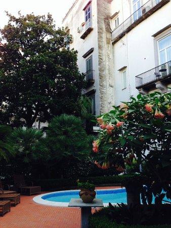 Hotel Costantinopoli 104 : vue de la chambre