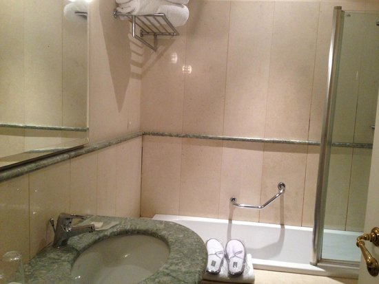 Hotel Costantinopoli 104: salle de bain