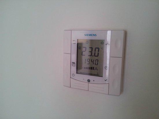 Grandior Hotel Prague: Climatizzatore automatico...