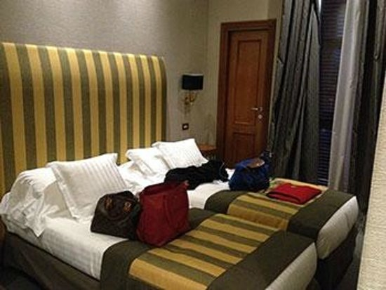 Hotel Alpi: Twin beds