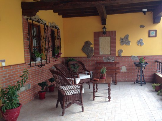 El acebo ubiarco spanien fritidshus anmeldelser for Posada el jardin santillana del mar