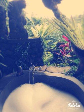 Bidadari Private Villas & Retreat: Baignoire à ciel ouvert