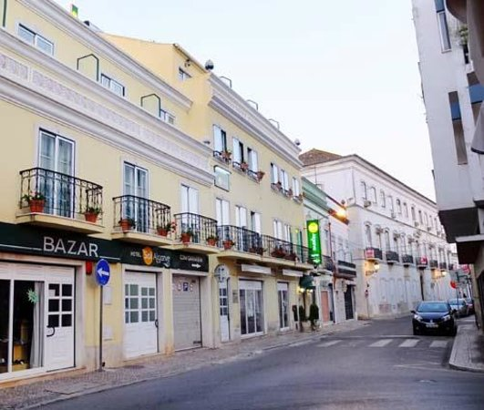 Hotel Sol Algarve : The hotel is situated in a very small street but in walking distance to center