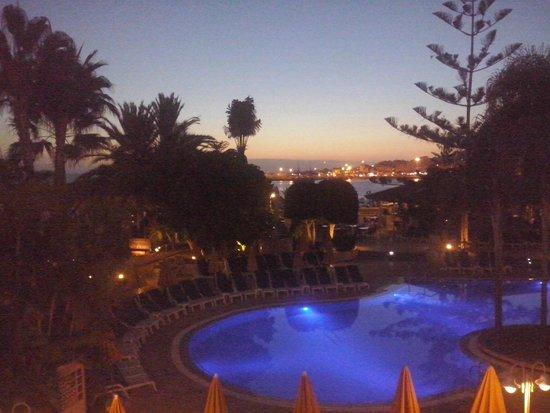 Spring Arona Gran Hotel : Evening View