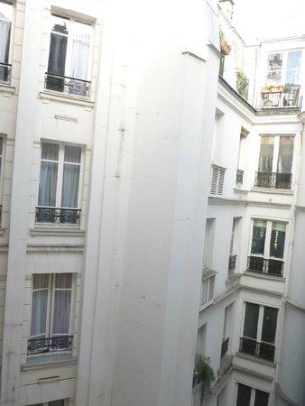 Hotel Lyon Bastille: Vue sur la cour intérieure
