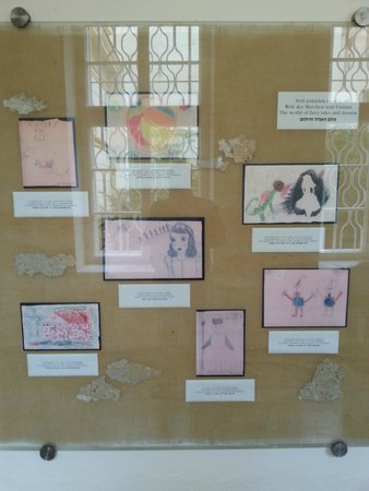 Terezin: Esposizione dei disegni dei bambini