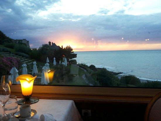 Dormy House: Cenando mi godevo questo tramonto
