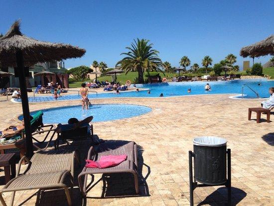 Hotel Vincci Costa Golf : Buena piscina