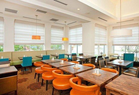 Hilton Garden Inn Portland Airport: Garden Grille Restaurant