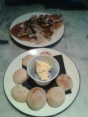 Starters Doughballs With Garlic Butter Bruschetta Con